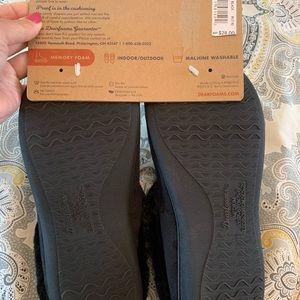 Brand new dearfoams slippers